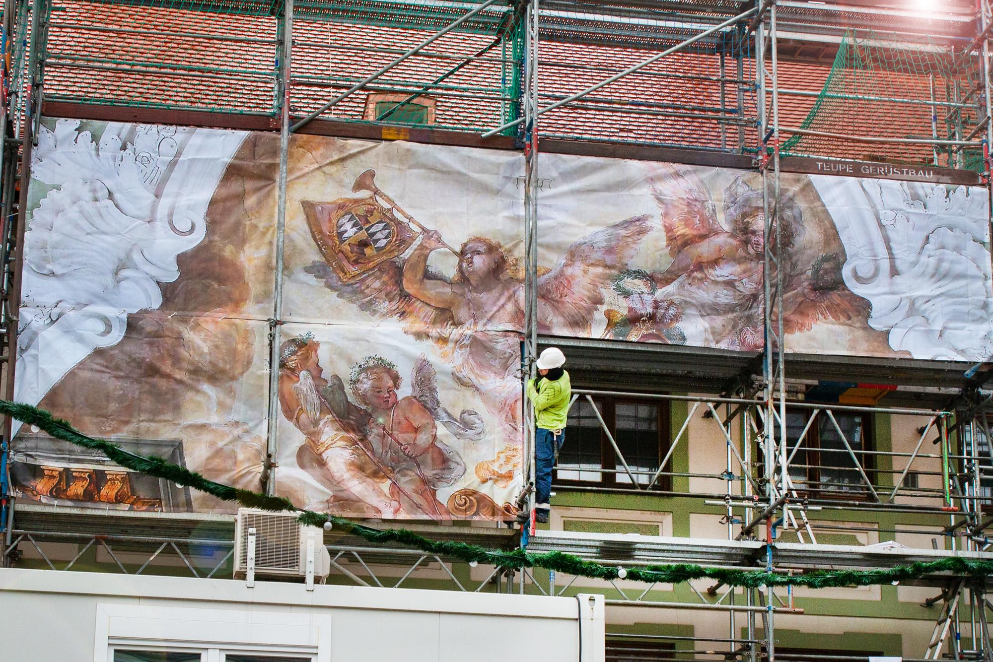 Fresko des Asamsaals ziert Marienplatz